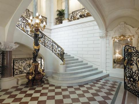 shangri la paris - Grand Staircase
